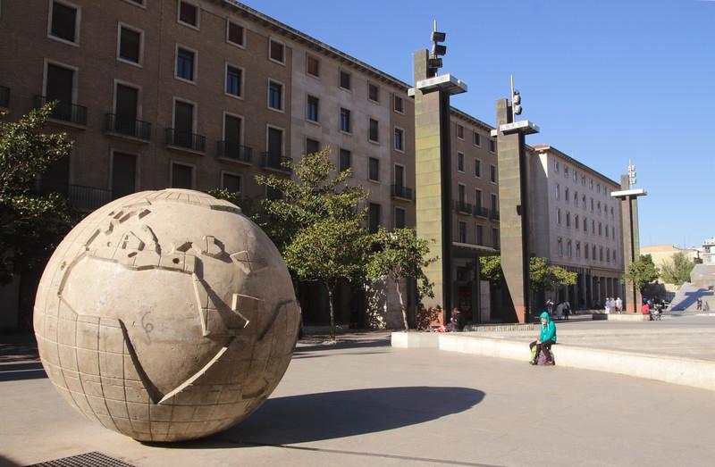 Ball World Plaza del Pilar Zaragoza Sapin