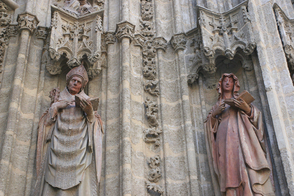 Outside the cathedral, on the walls, these figures have wonderfully lifelike faces