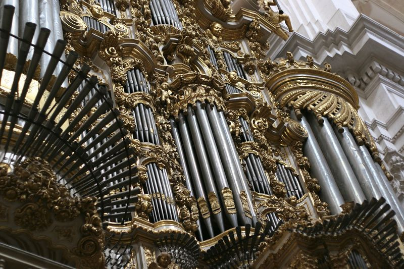 The main organ in the Granada cathedral