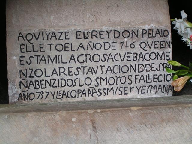 Tumba de Don Pelayo en Covadonga