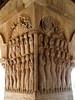 Relieves en una de las esquinas del claustro de Santo Domingo de Silos (Burgos)