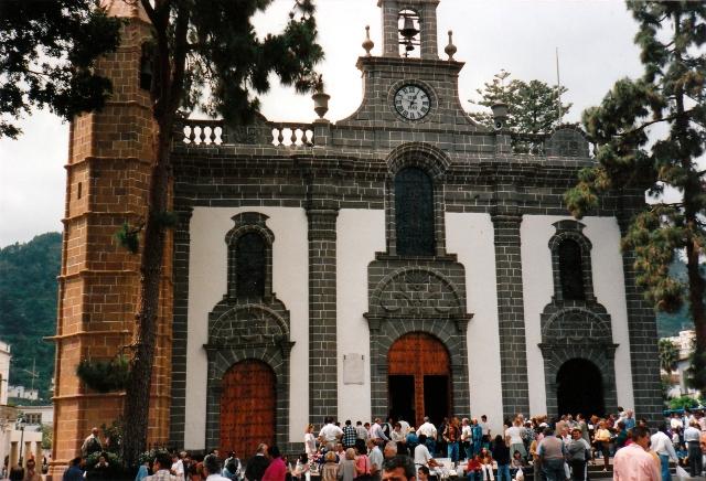 Una iglesia de un pueblecito de Gran Canaria