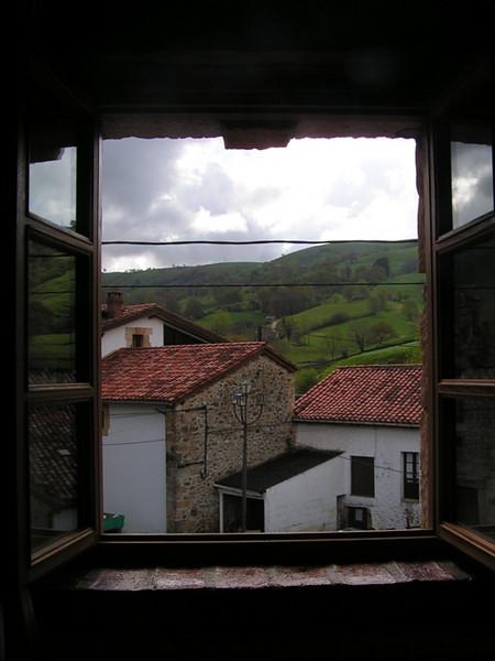 Vistas desde la ventana de una casa rural