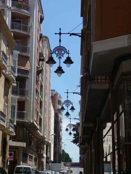 Just a neat scene with lovely street lamps