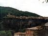 Casas al borde del precipicio en Castellfolit de la Roca (Girona)