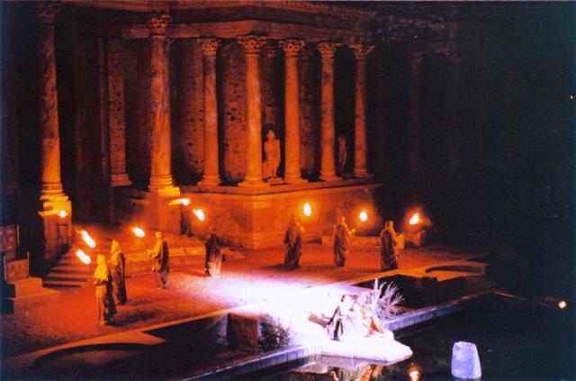 Obra de teatro en el mismo teatro romano de Merida