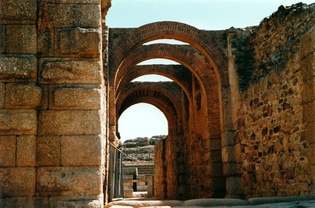 Via de Acceso entre el anfiteatro y el teatro Merida