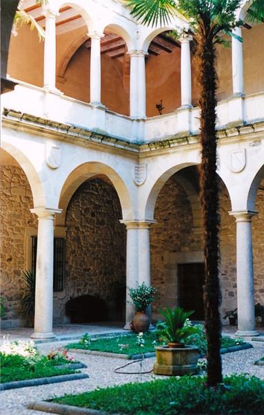 Claustro del Palacio de los Duques de San Carlos