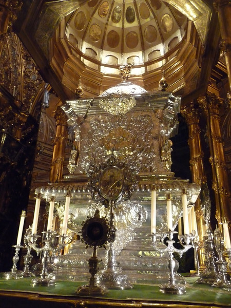 Reliquary with remains of Juan de Dios in Seville.
