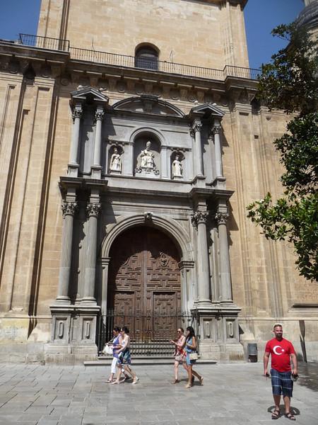 Church along the river and Douro Street in Granada