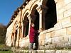 Marie Helène en la iglesia de Canales de la Sierra