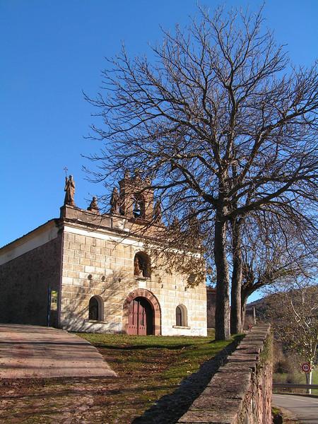 Iglesia de Villavelayo