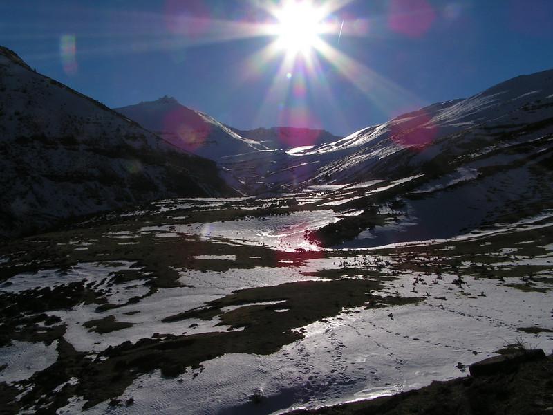 A contra sol en la subida al Monte Urbión