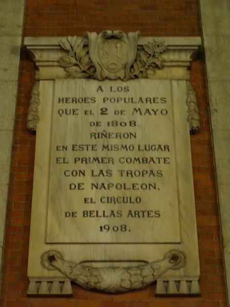 En la Puerta del Sol, recuerdo a aquéllos que se revelaron contra el invasor.