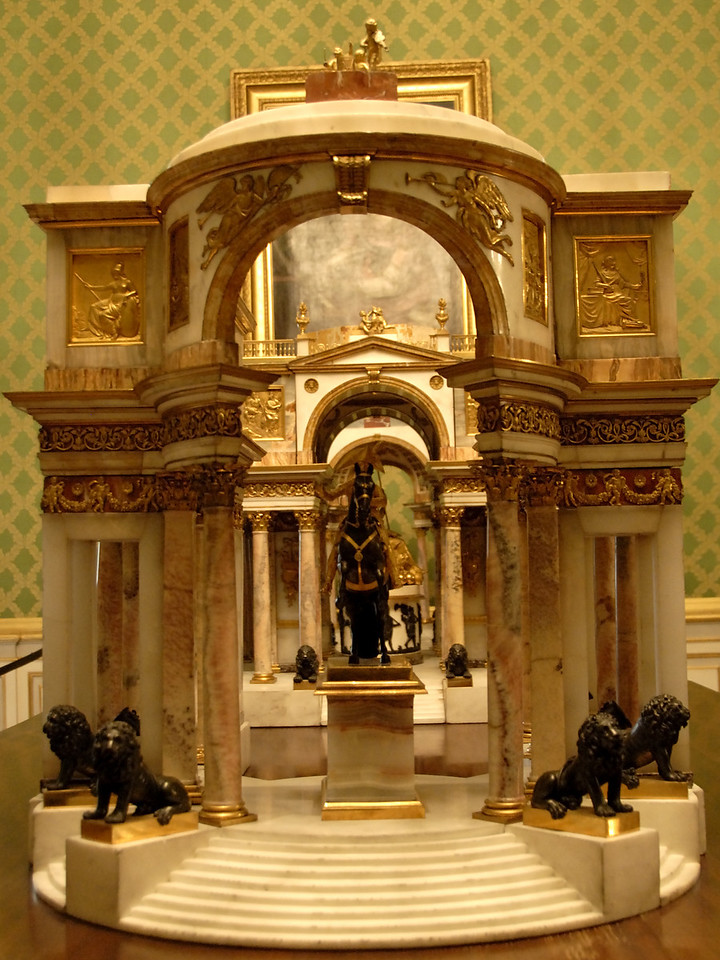 Palacio Real de Madrid Horse Statute