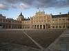 Palacio Real de Aranjuez, ordenado construir por Felipe II en 1561 sustituyendo la vieja residencia maestral de Aranjuez por un nuevo edificio que es el antecedente del actual Palacio Real, haciendo suyo un antiguo proyecto de su padre, el Emperador Carlos.