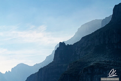The tooth of the saw - Montserrat in the Morning