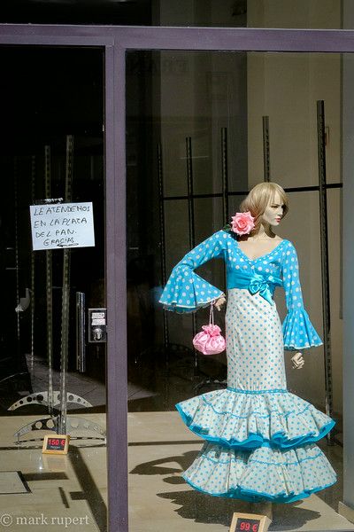 lonely storefront  flamenca