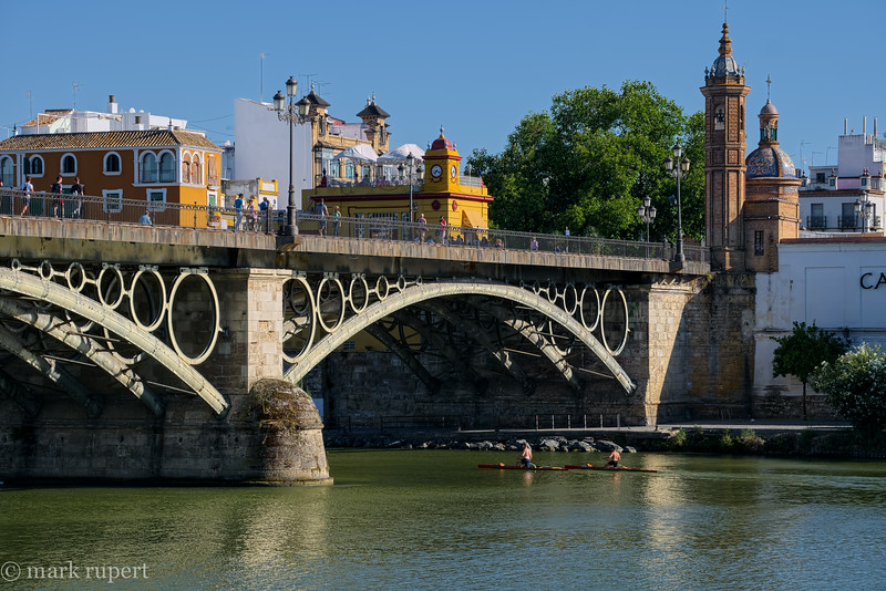 Puente Isabel, bridge to Triana