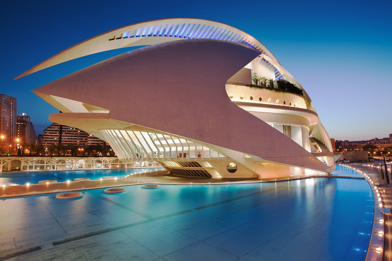 <b>The Valencia Opera House (Queen Sofia Palace of the Arts) - Spain</b> <i>Canon EOS 5D Mark II + Canon EF 17-40mm f/4L USM</i>