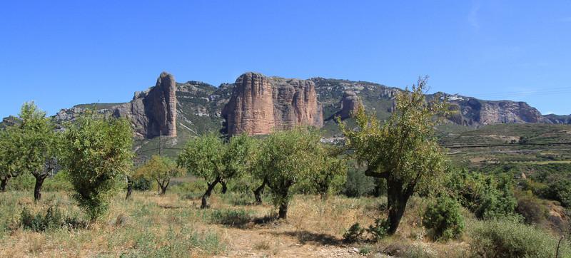Red rock pinnacles at Riglos