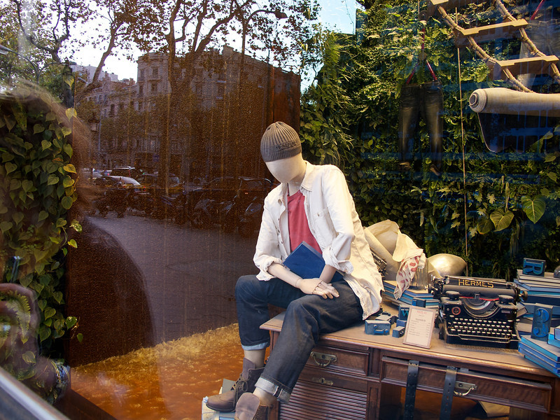 Window display for Barcelona department store