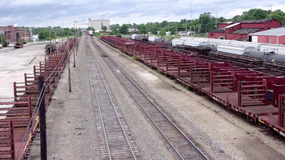 One minute video of the railroad yards at Commercial Street on Springfield's north side.