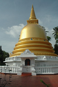 Golden Temple, Dambulla, Sri Lanka, July 2004