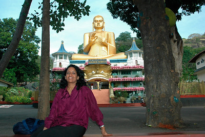 Anu at the Golden Temple, Dambulla, Sri Lanka, July 2004