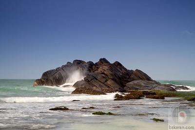 The rocks, Unawatuna Beach : Sri lanka