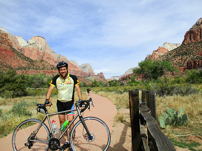 Selfie, actually in Zion NP now. There's a bike path several miles into the park, officially bikes aren't allowed on the main road, though I saw some on the downhill direction. Still, the side path is really pretty.