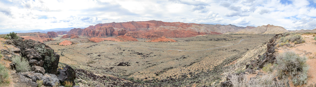 The valley floor in Snow Canyon.