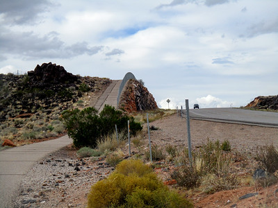 A closer look at the bike path going over a hill. The steep climb can be seen.