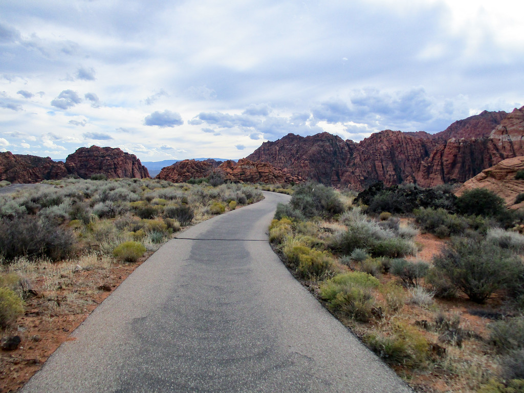 Views from the bike path inside Snow Canyon.