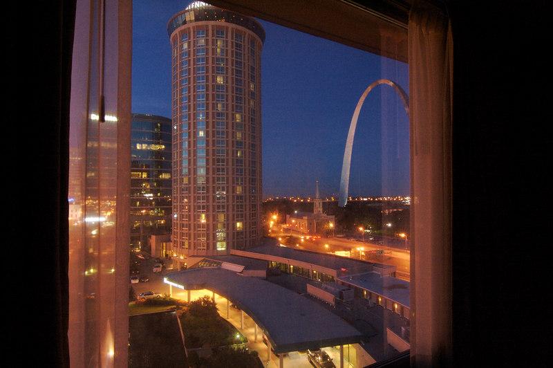 Milliennium Hotel and Gateway Arch