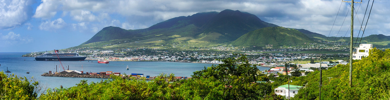 Basseterre, St Kitts, Queen Mary II in the harbor