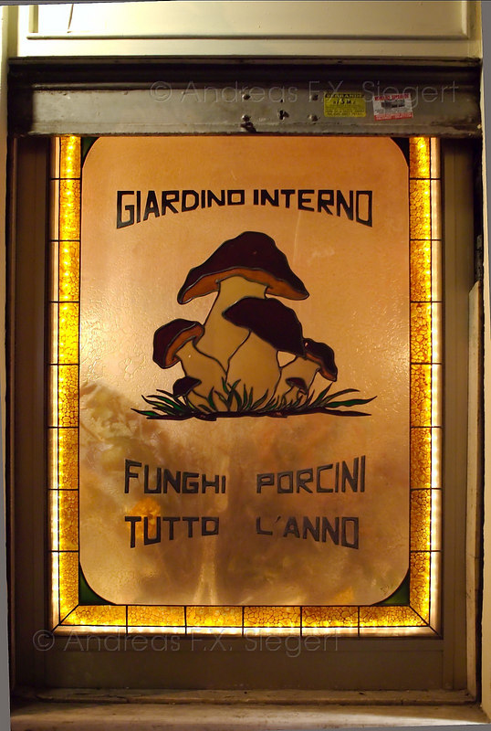 Restaurant sign (if you find this place in Monti, go and eat there ;-)