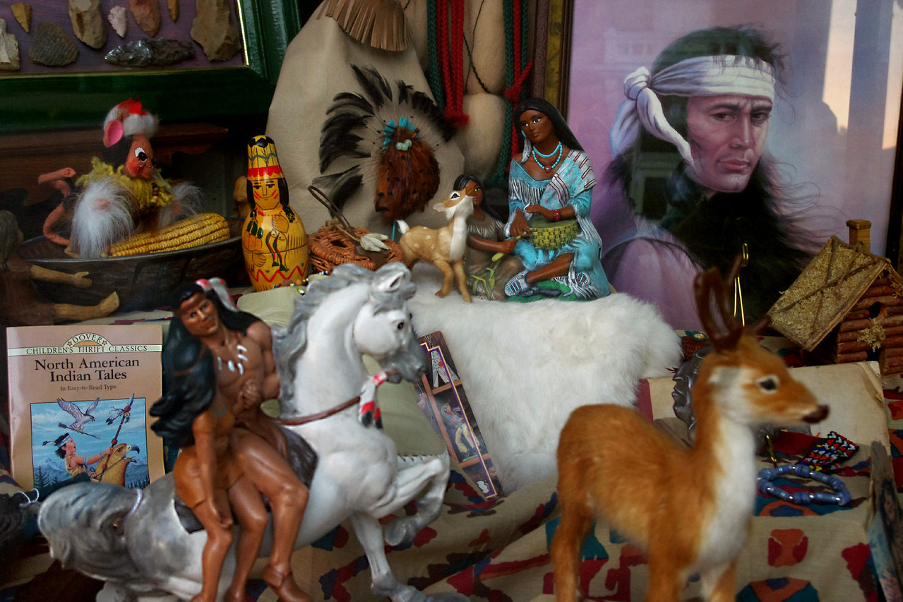 Indian trinkets, shop window. Saint Genevieve, Missouri.