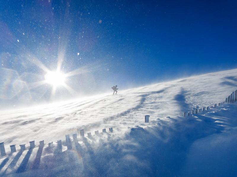 Irene im Sturm kurz vor dem Gipfel des Nösslachjochs