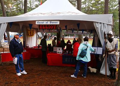 Jim (L) at the Elliott Clan tent with Judi & Carol (R)