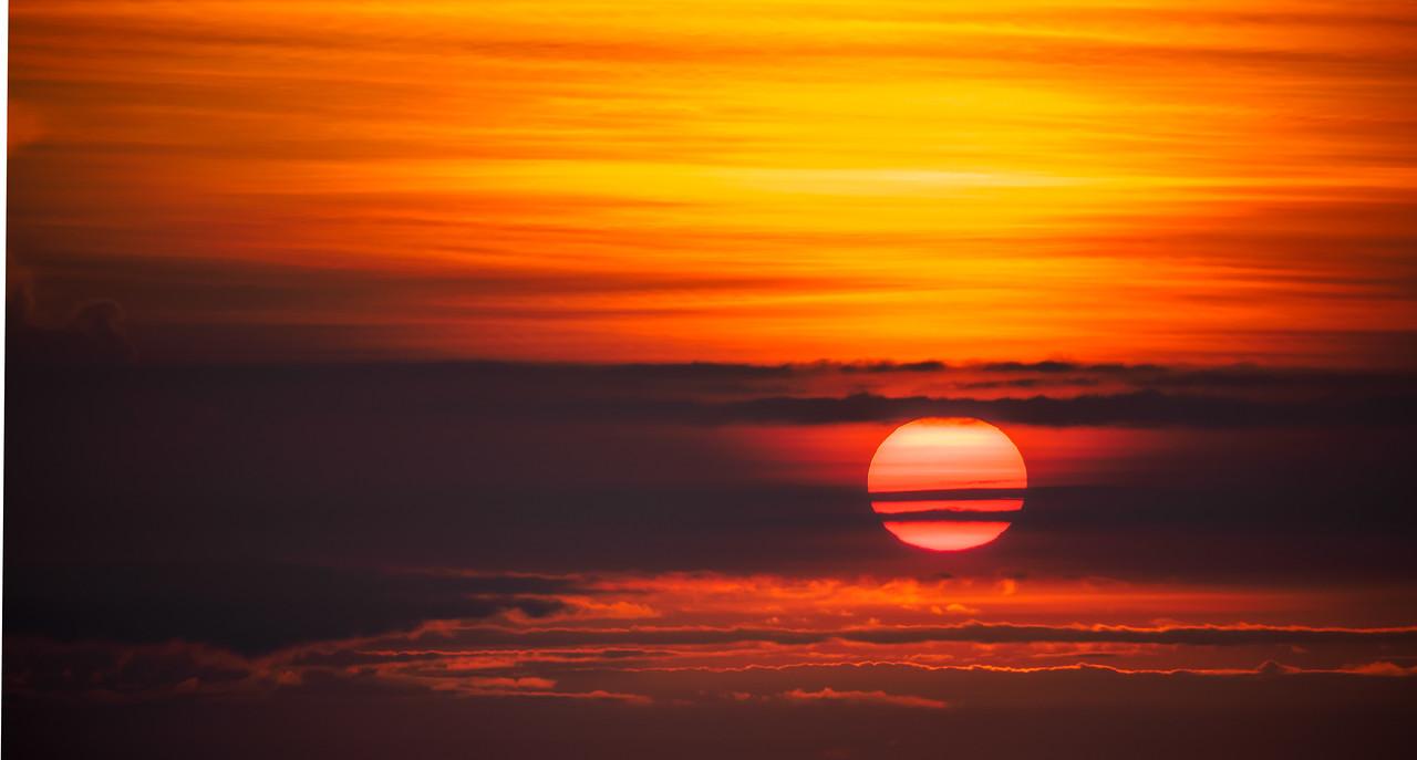 Banded Sinabung Sunrise