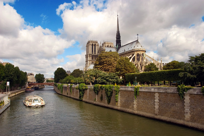 Notre Dame cathedral and the Seine River.