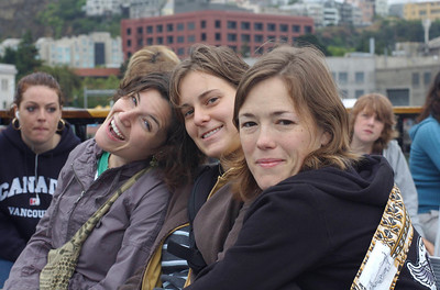 Jen, Rue, Rose - ferry to Alcatraz
