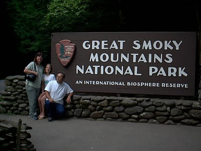 Smoky Mountain <br /> We decide on driving thru the Smoky Mountain. Stopped here to take a pic.People are very nice here.