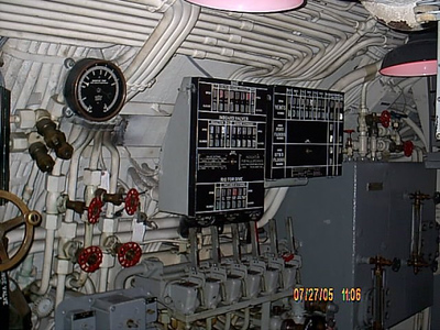 Controls <br /> I can't remmber what these control do,but there's a big guage by them.