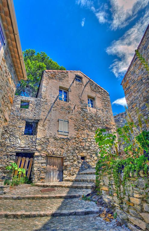 Roquebrun Village
