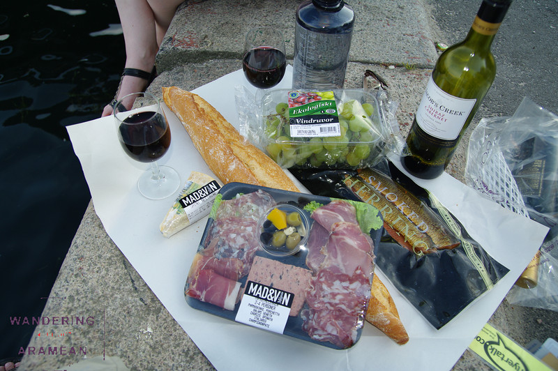Mmmmm....picnic dinner in Copenhagen
