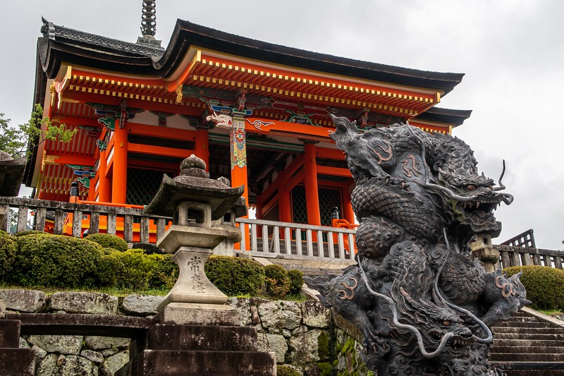 The next day, I travelled to a city that I had been to before, but it had only been for a few hours to sleep and do laundry.  As it is the cultural center of Japan, I figured that a more proper visit would be good to do.  This first site is the Kiyomizudera Temple.  I'm not sure what the red building is, but the dragon sculpture is pretty awesome.