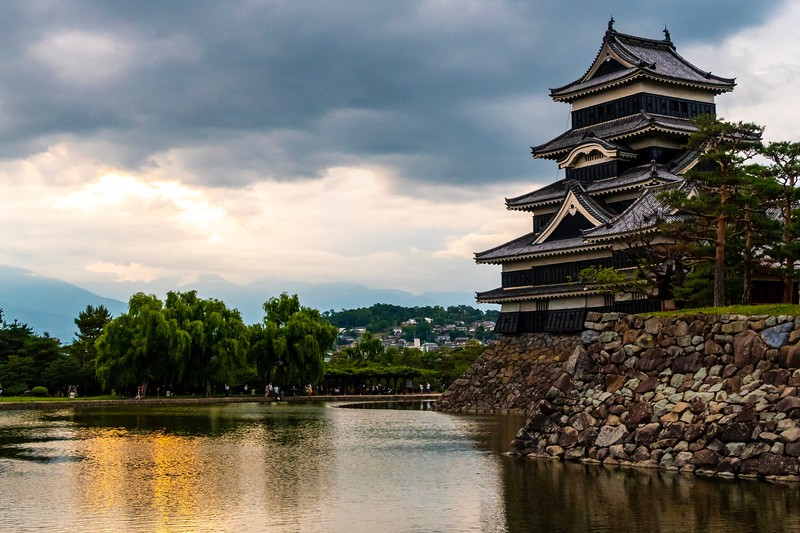 On the way back, I stopped by the town of Matsumoto.  As the alternative was to pack for my flight home, I had a bit of an explore.  This is the Matsumoto Castle.
