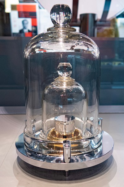I went to the nearby science museum.  I'm always a sucker for a good science museum!  I had been here before but it was fun to come back to visit.  One of my favorite pieces was a feature of different types of measurements featuring interactive explanations of the seven fundamental units in Physics.  They even had an old kilogram and meter standard!